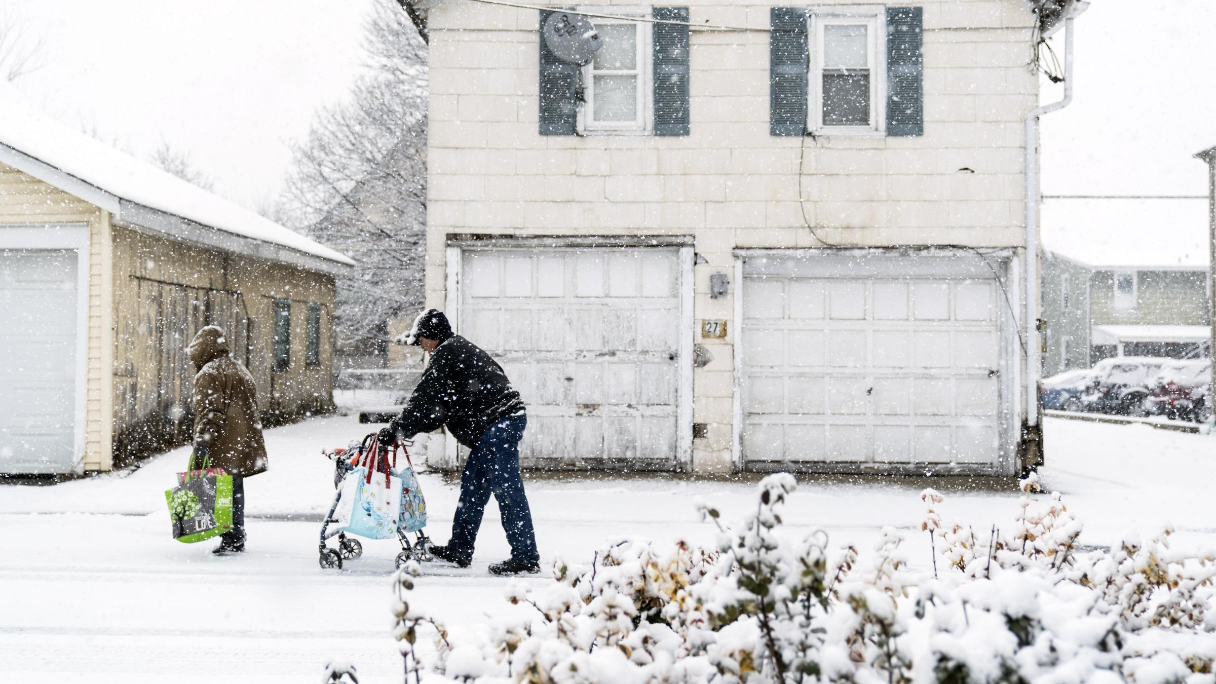 Snow storm pounds U.S. northeast for second time in 1 week