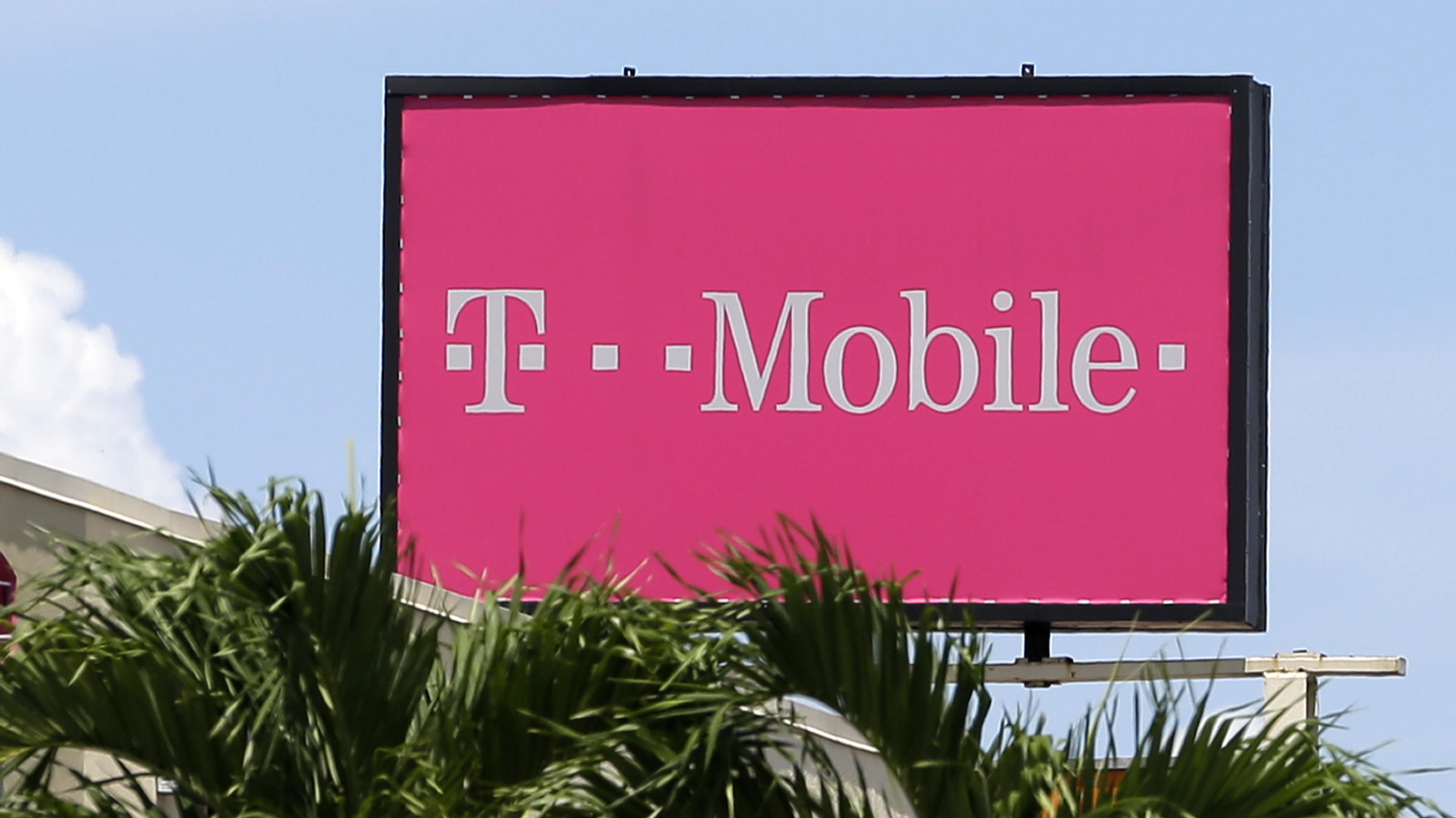 FCC fines T-Mobile for faking