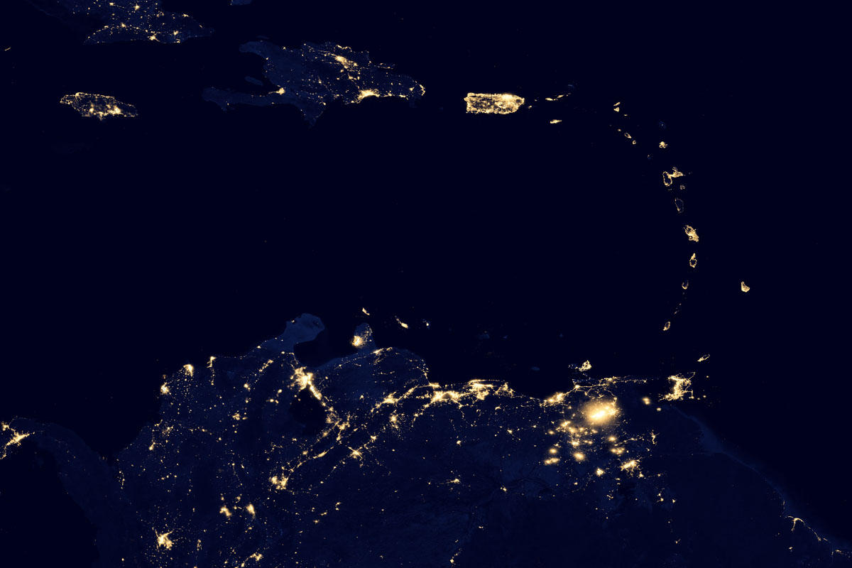 New NASA Images Show The Earth's Electric Light Show ...