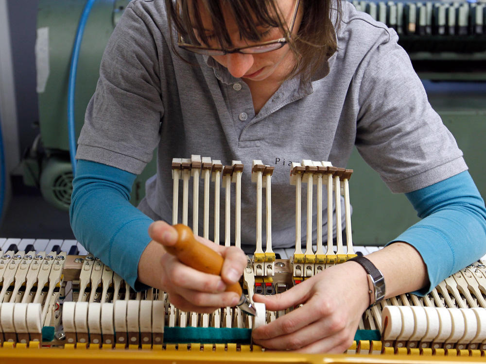 Chopins Favorite Piano Factory Plays Its Final Chord Texas Public