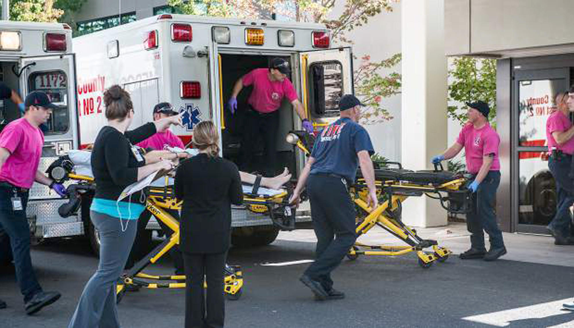 UPDATED 10 Confirmed Dead in Oregon Community College Campus Shooting images