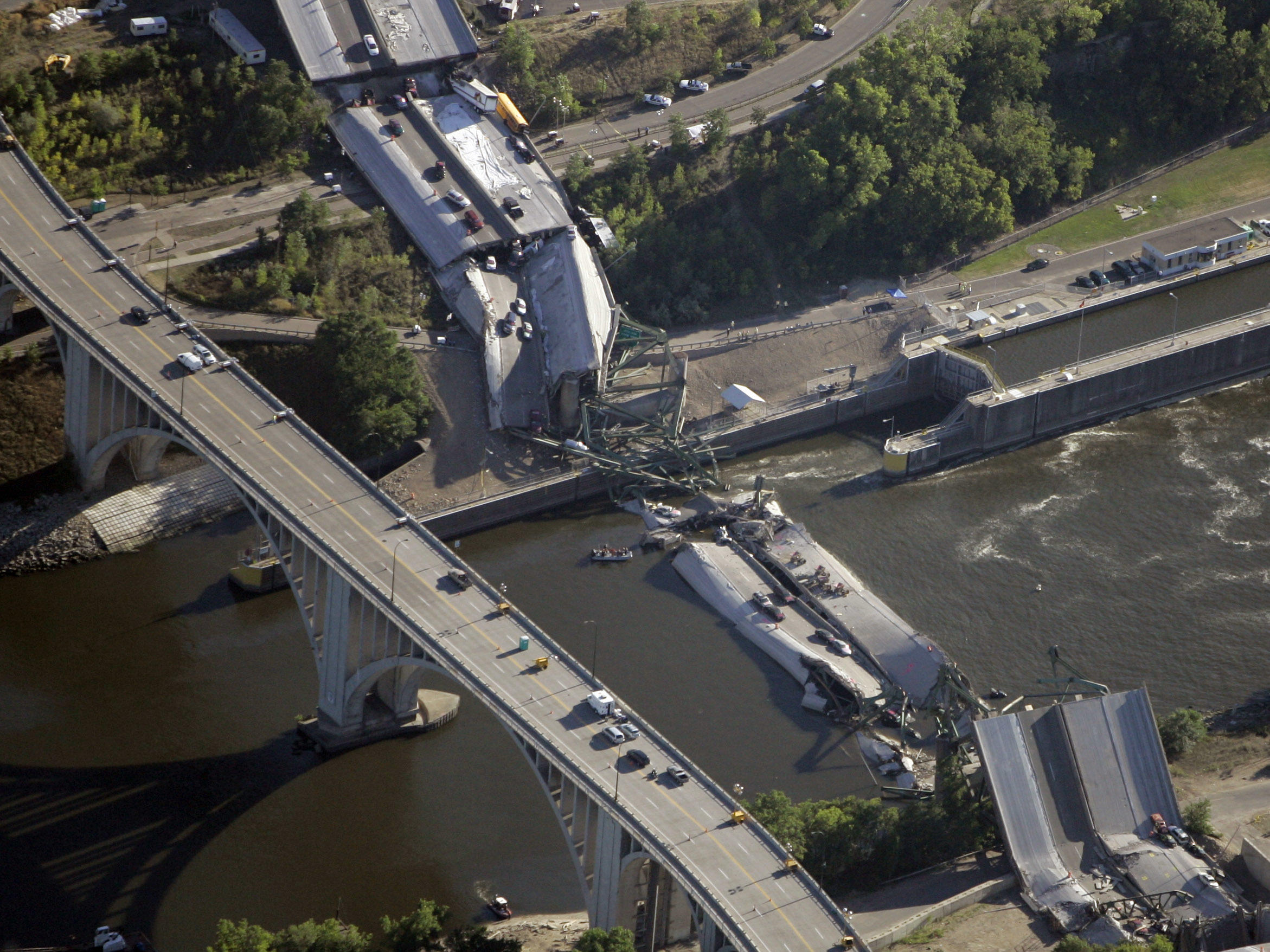 10 years after bridge collapse america is still crumbling wosu radio