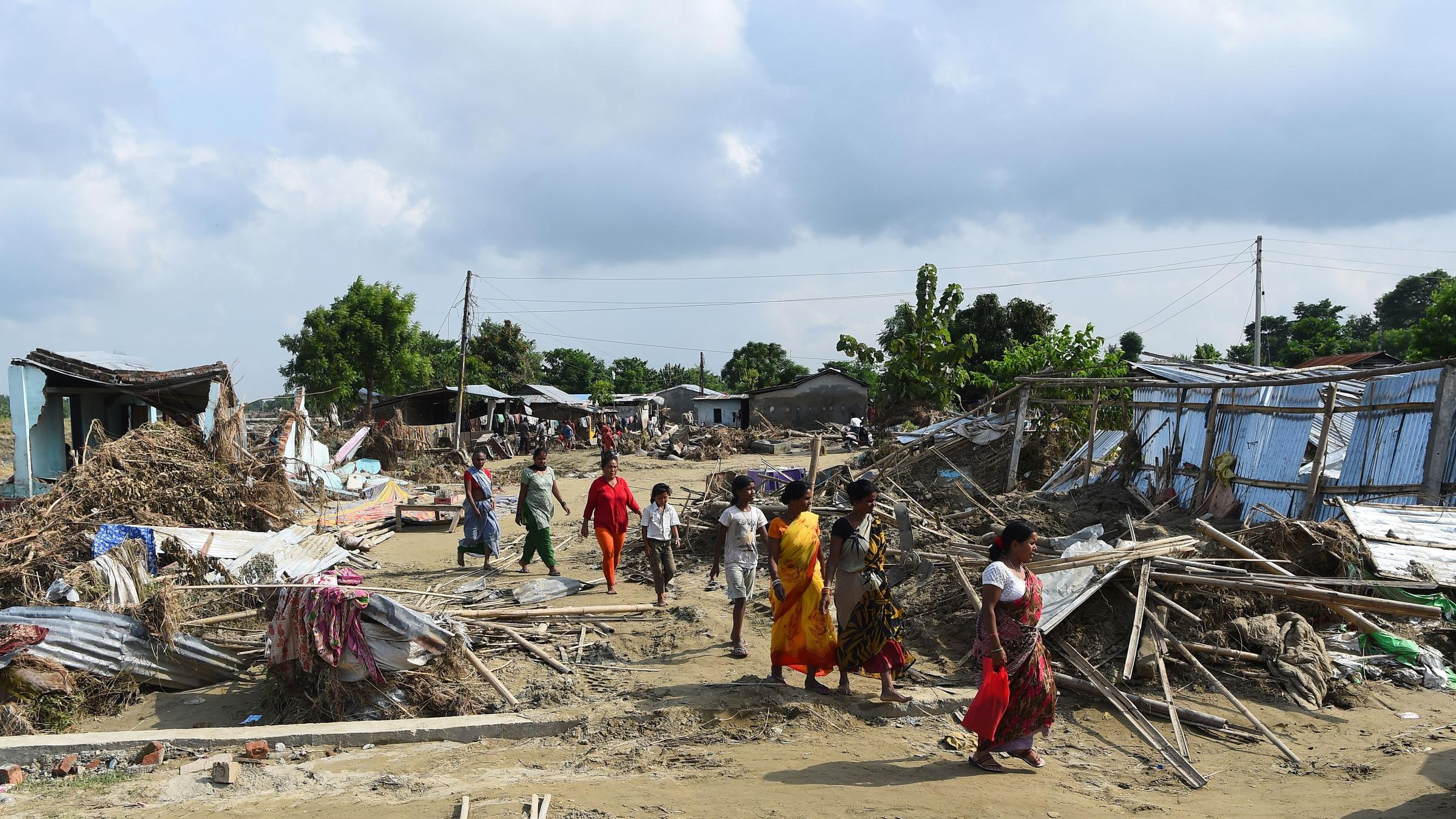 flood victims No fewer than 1,000 flood victims from the four local government areas in orashi coastal region of rivers state yesterday attempted to occupy government house, port harcourt over alleged neglect.