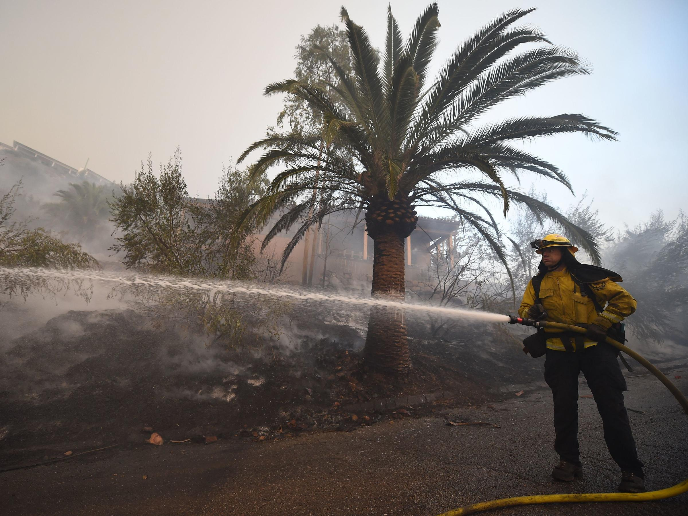 southern california fire forces new evacuations threatens coastal