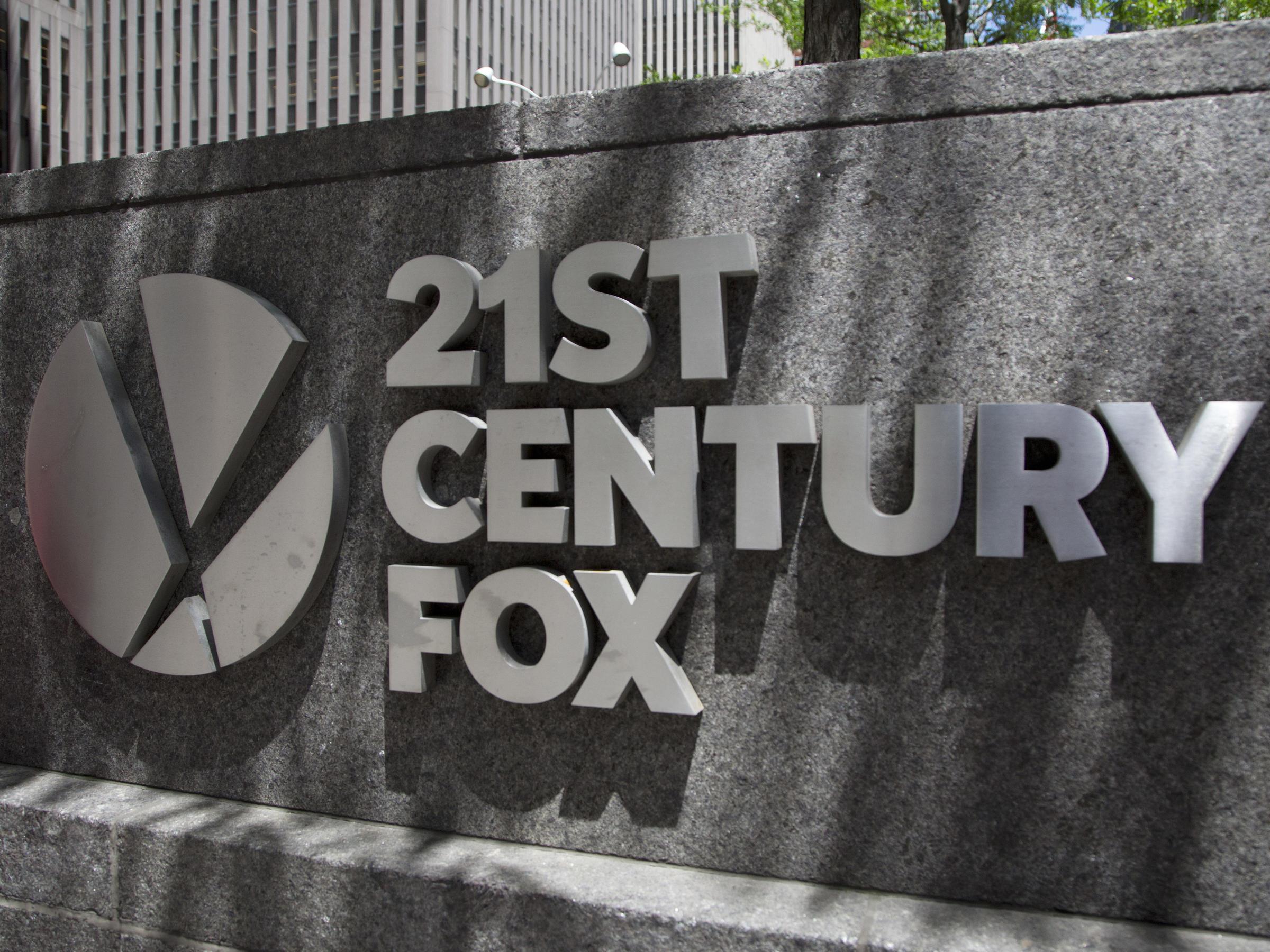 Comcast Withdraws Its 21st Century Asset Bid