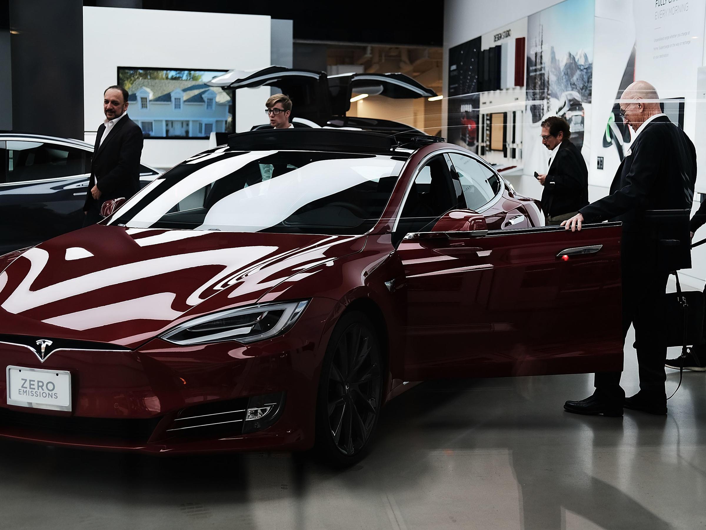 Elon Musk: Saudis in talks to take Tesla private