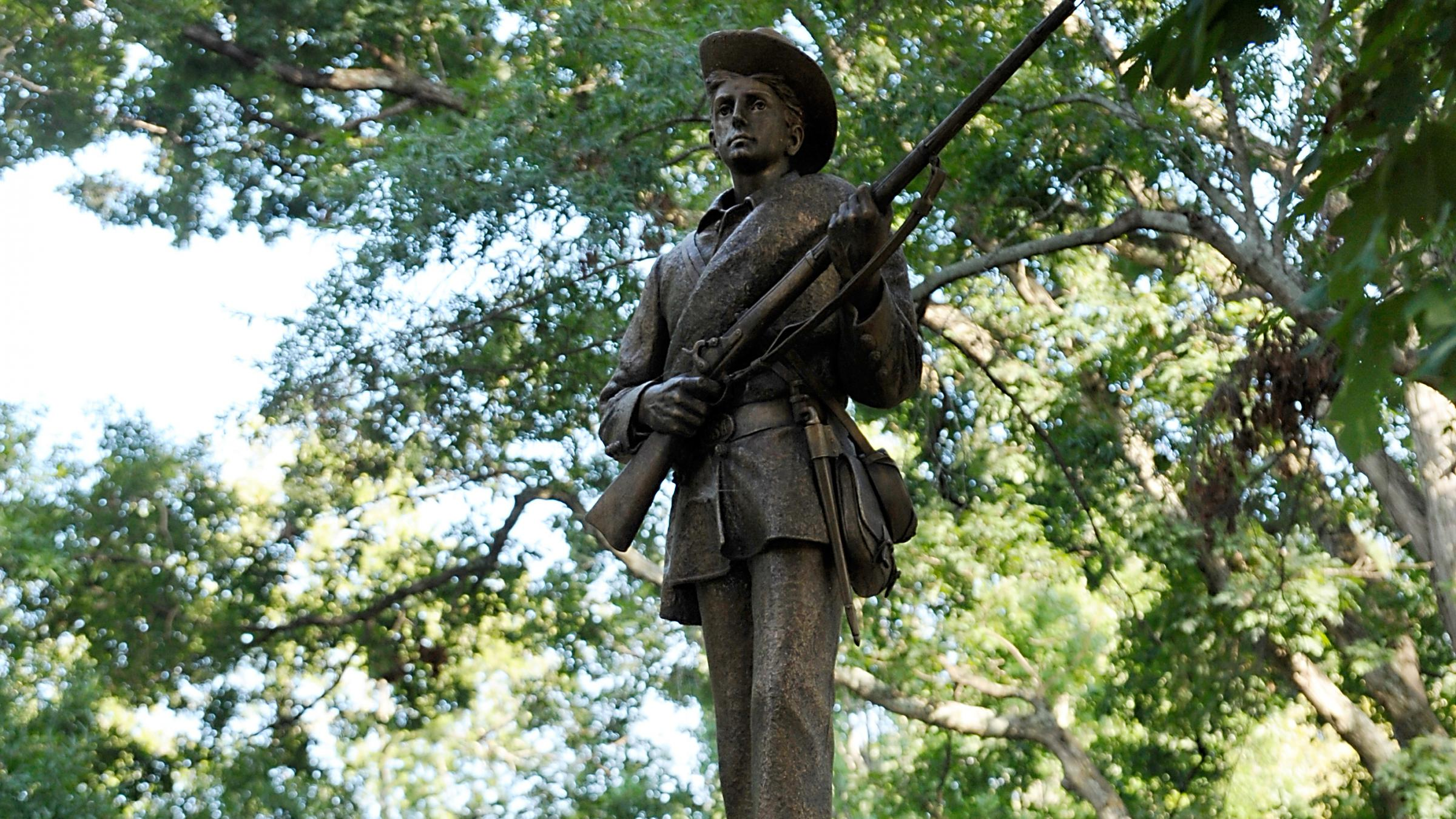 7 arrested in protests over confederate statue at unc chapel hill wuwm