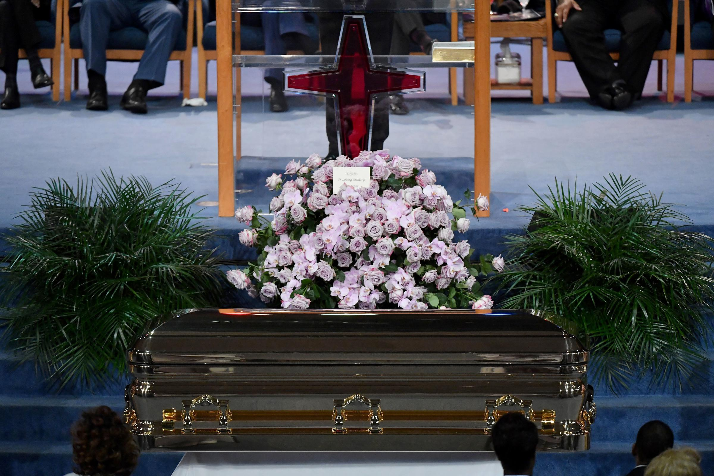 Photos aretha franklins soul celebrated at funeral wmot flowers adorn aretha franklins casket at the start of her star studded funeral at greater grace temple in detroit on friday izmirmasajfo