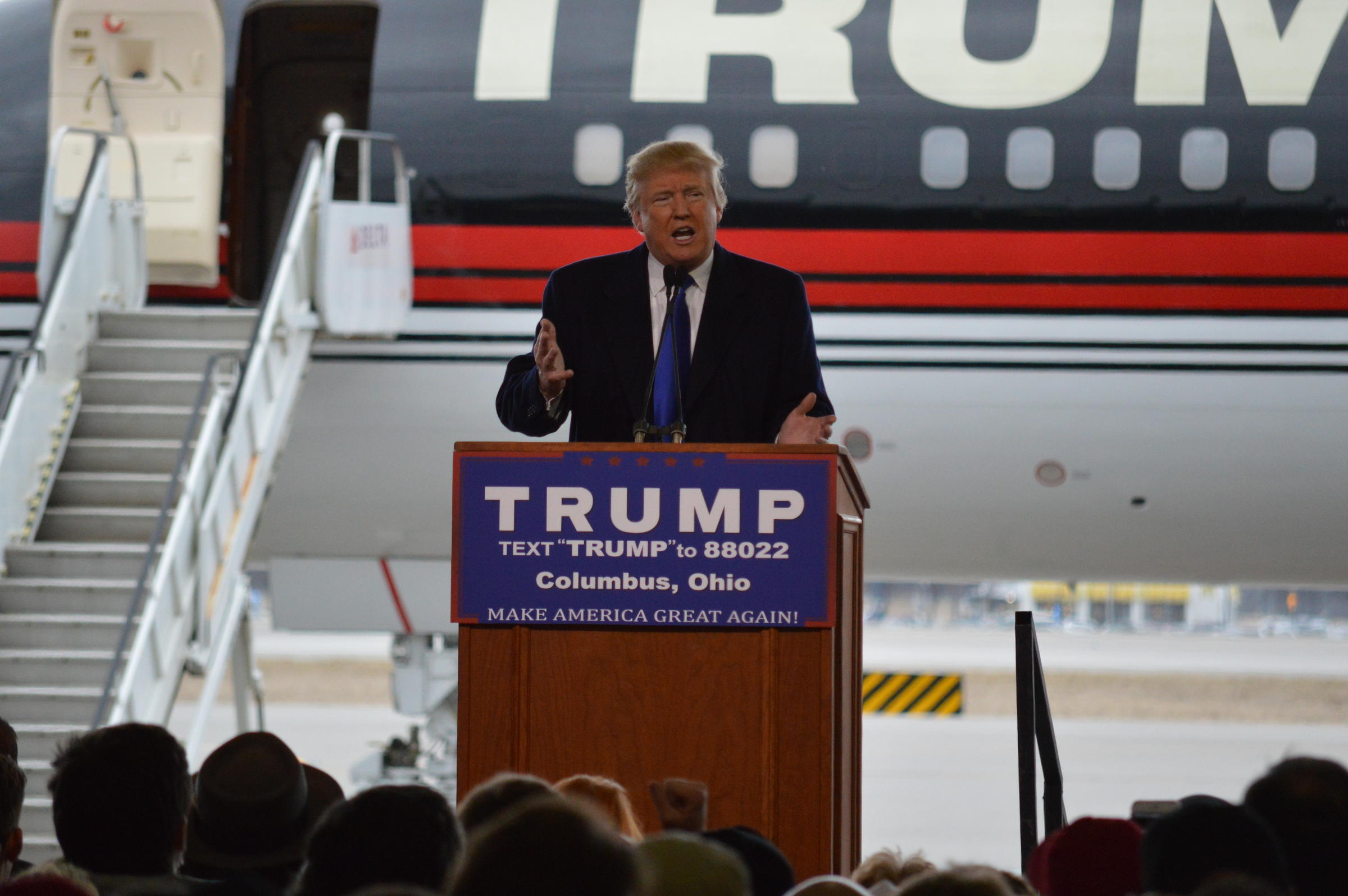 At Ohio rally, Trump takes another victory lap