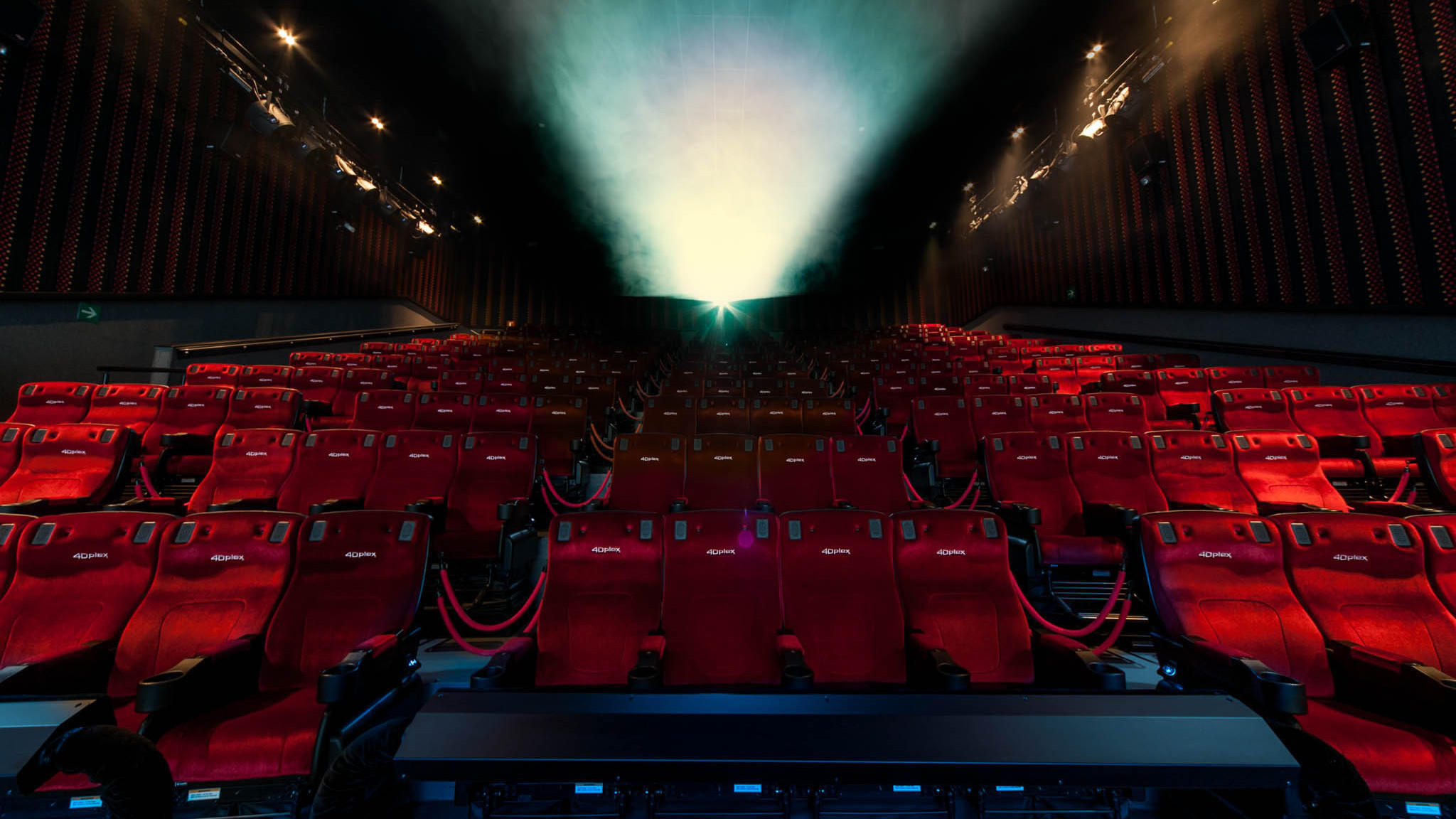 Theaters That Call Themselves 4 D Use Lights Moving Seats Fog And Even Sprays Of Water Air To Give Moviegoers A Unique Experience One They Hope