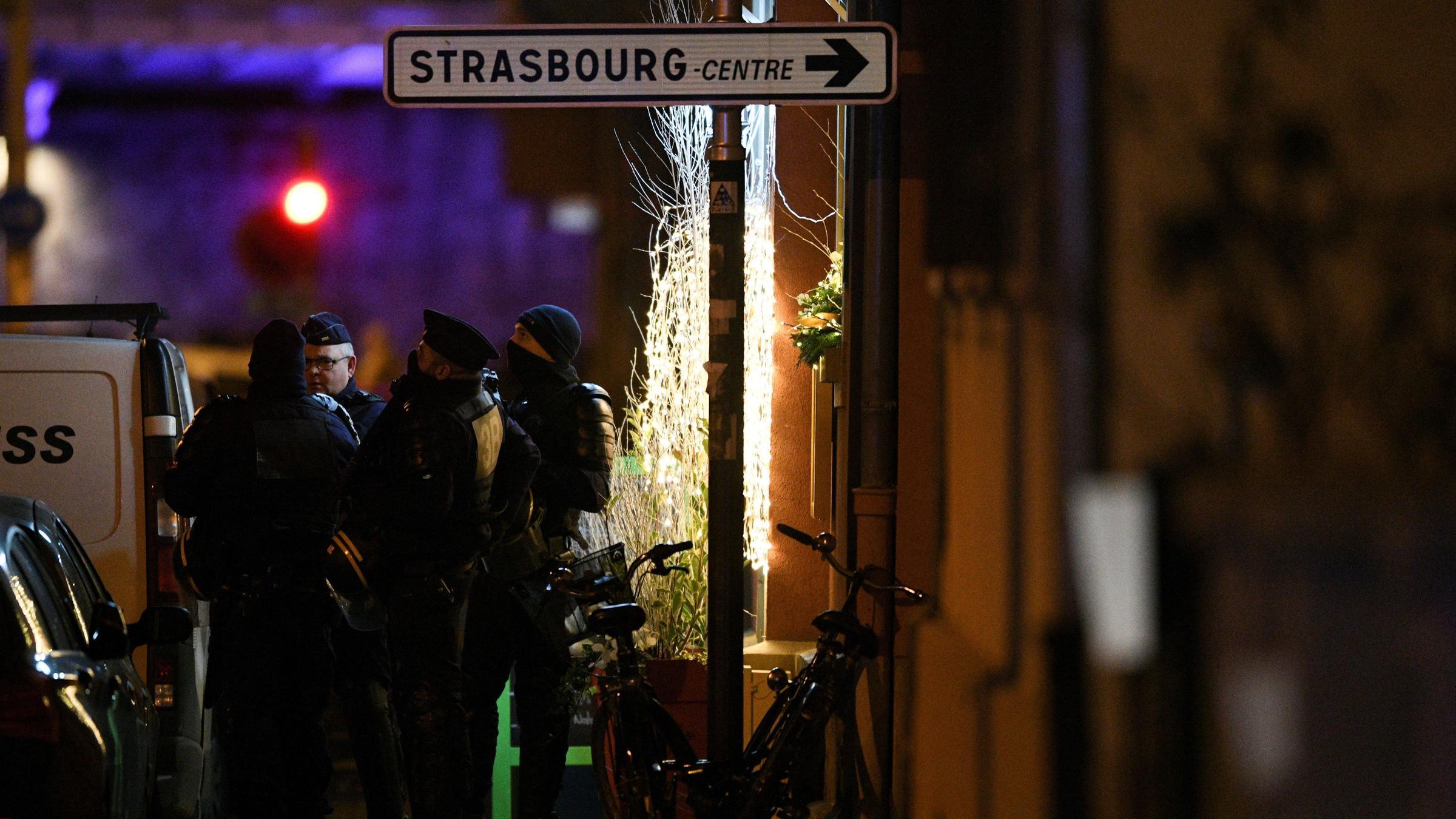 French police step up hunt for Strasbourg gunman