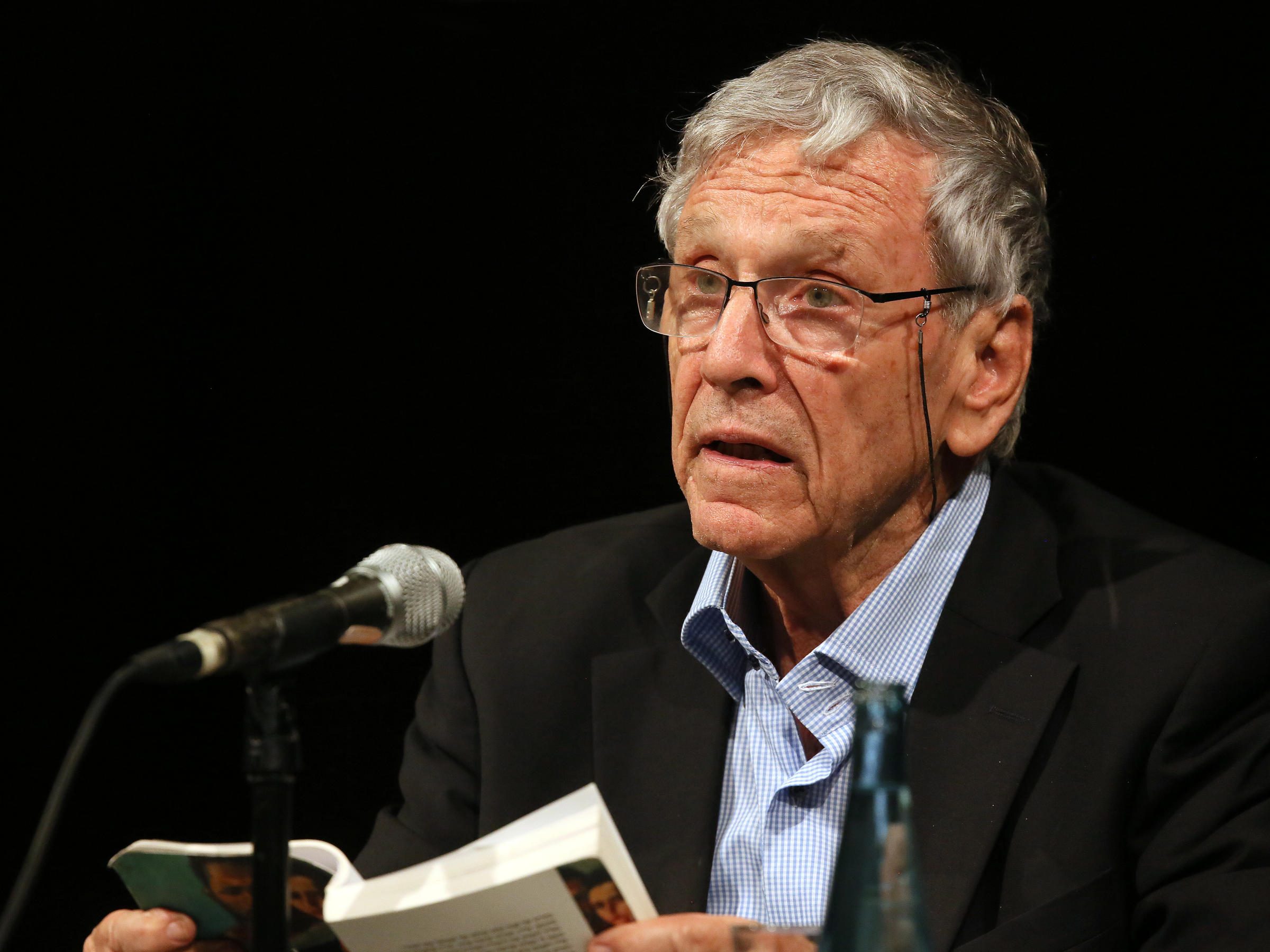 Prominent Israeli author Amos Oz passes away at 79