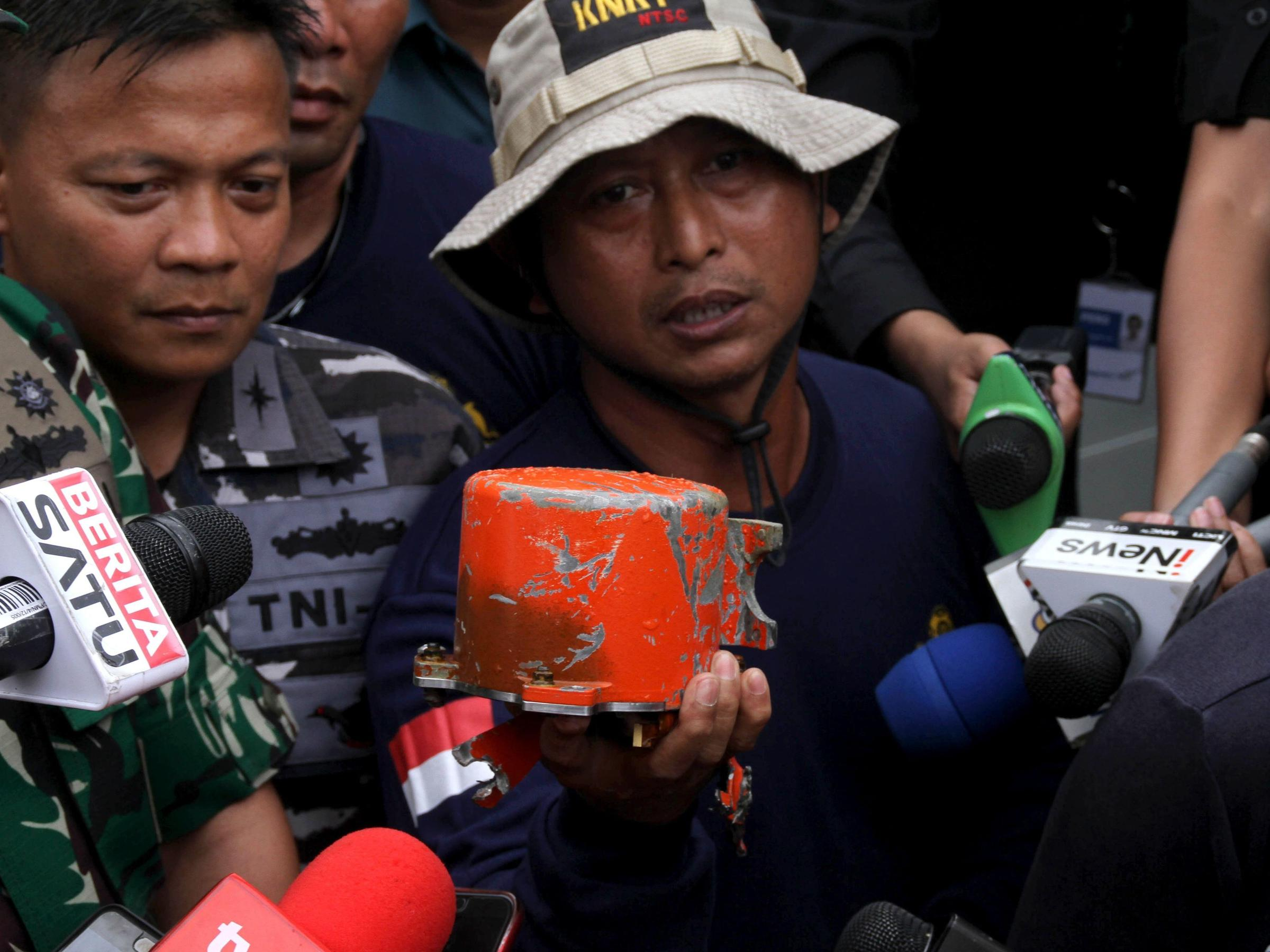 Cockpit Voice Recorder Recovered From Lion Air Crash Wamc