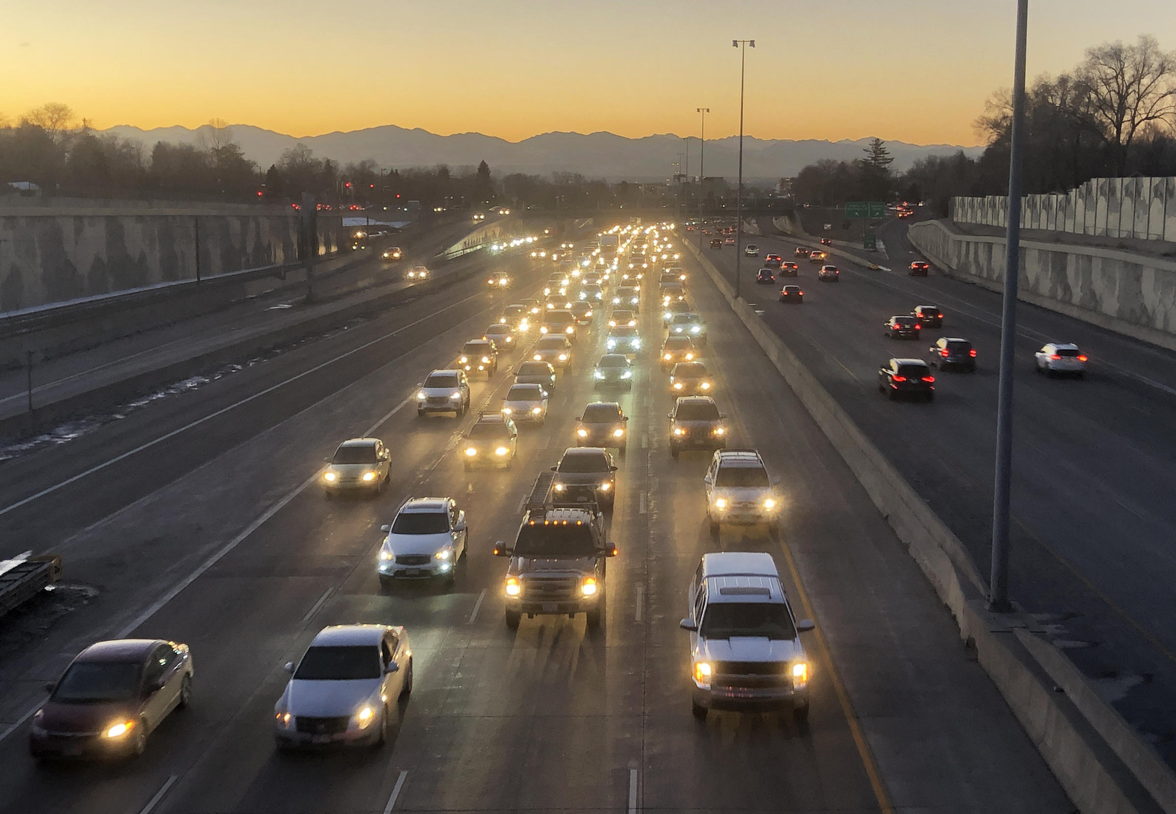 Transportation Advocates Concerned About Lack Of State Funding Proposals