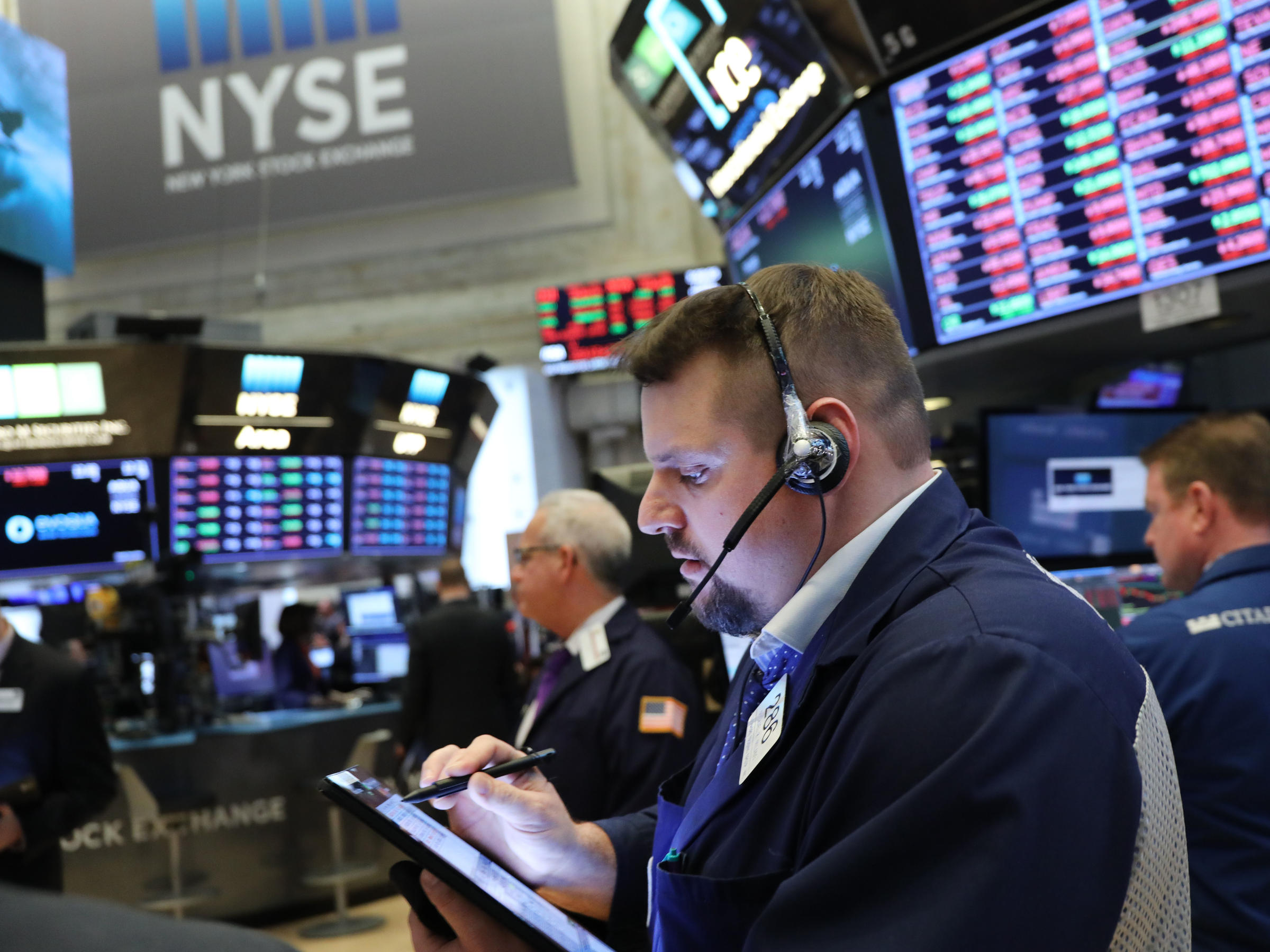 Major U.S. stock indexes fell Friday as short-term Treasury yields exceeded those on long-term bonds in what some analysts consider a sign that a recession may be coming