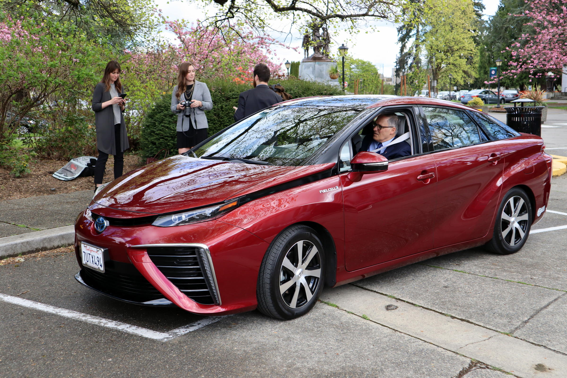 Jay Inslee Sets Out On A Short Test Drive Wednesday In Toyota Mirai Hydrogen Fuel Cell Car