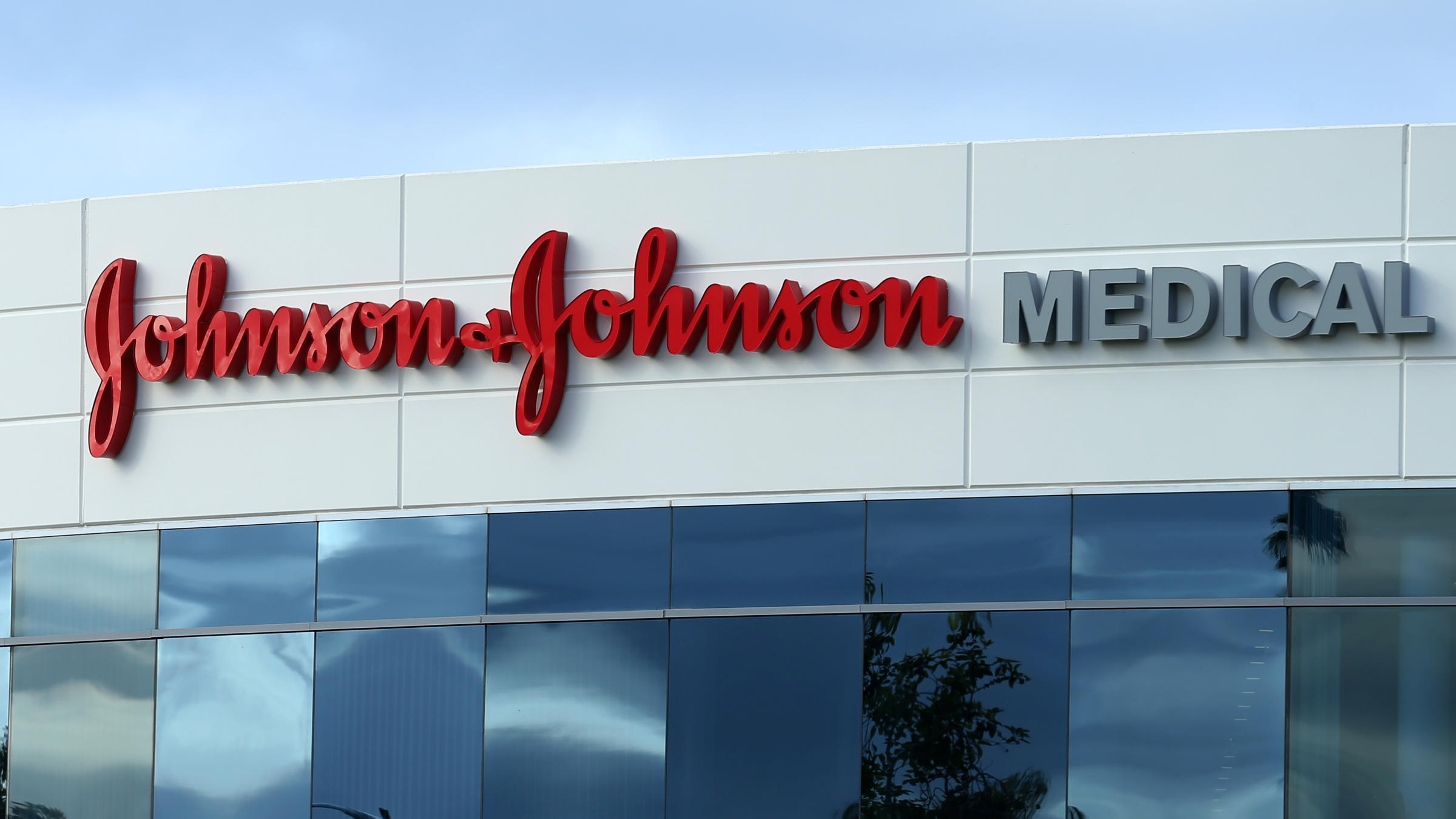Johnson & Johnson, Under Fire, Has Track Record Of Weathering Trouble