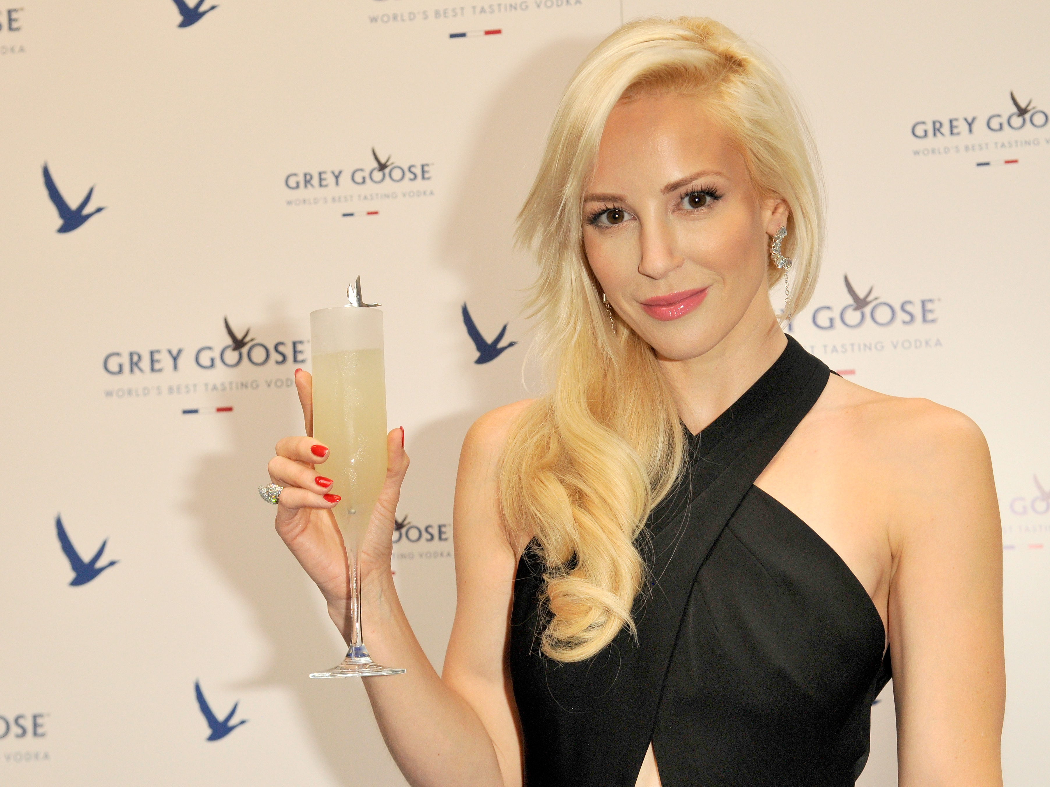 Home 187 posts 187 articles 187 hair styles 187 different hairstyles - Louise Linton Said She Sacrifices More Than Other Taxpayers It S Not That Simple Wvik