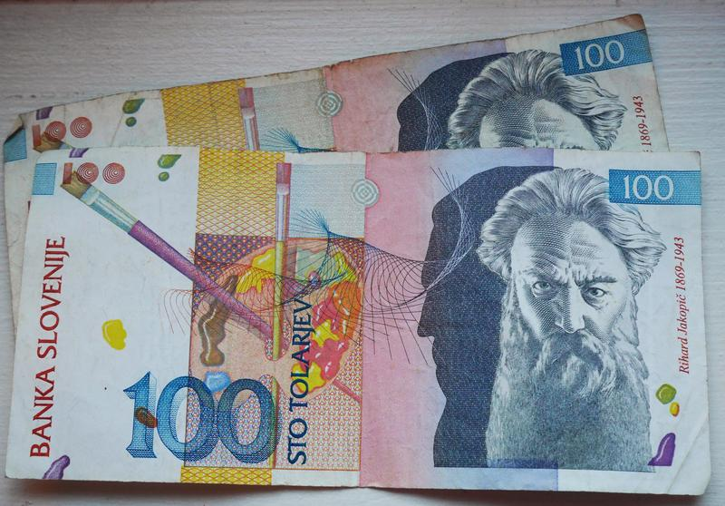 <p>The 100 Slovenian tolar bill featuring painter Rihard Jakopič.</p>