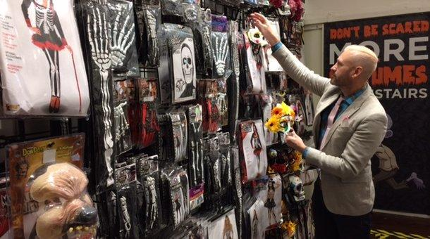 Here's how those Halloween pop-up stores work | KERA News