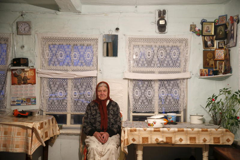 <p>Vassa, 86, who suffers from hearing difficulties, poses in her house in the village of Kalach, Sverdlovsk region, Russia October 18, 2015.</p>