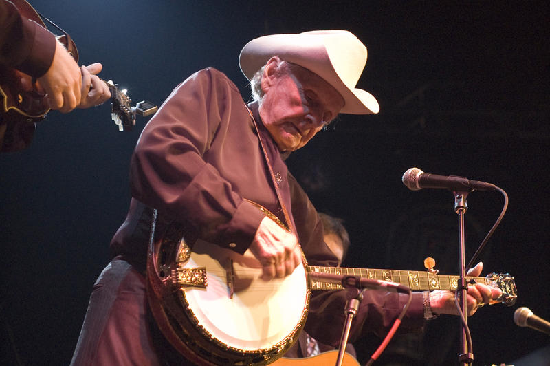 Bluegrass legend Ralph Stanley performs in 2008 (Rob Crawford/Flickr).