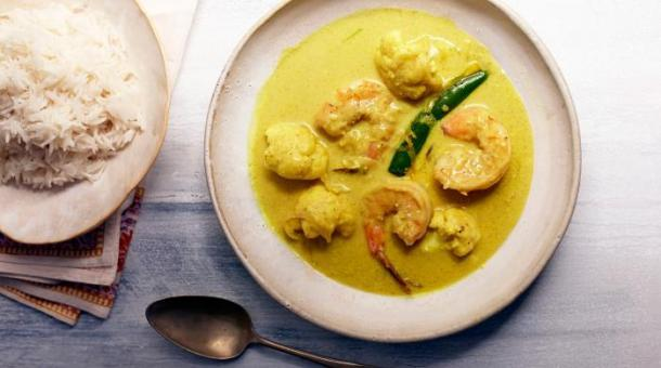 144-145_Shrimp-Curry-with-Cauliflower.jpg