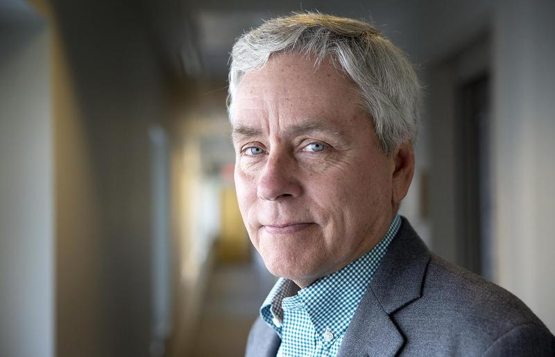 Florida Continues To Inspire Carl Hiaasen In New Novel 'Razor Girl'