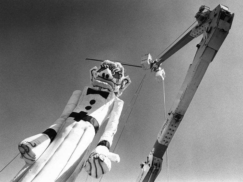 The Zozobra, a 50-foot-tall, scowling, ghostly white marionette with flailing arms and a flowing muslin robe. Here it is, under construction.