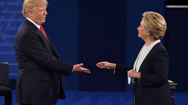 handshake_2.jpg