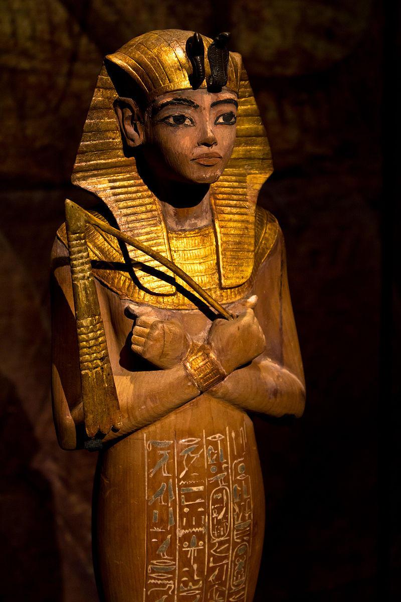 800px-Ushabti_of_Tutankhamun_KV62.jpg