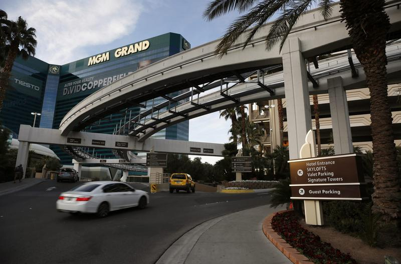 Las Vegas Casinos Take A Gamble And Charge For Parking