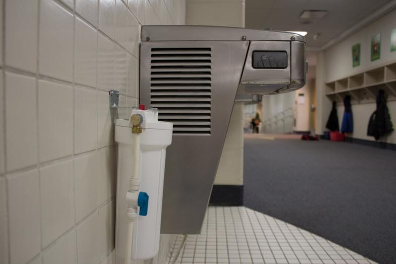 After a lead scare in October 2015, Eastern Howard Elementary School installed water filters on all their drinking water sources. (Nick Janzen/IPBS)