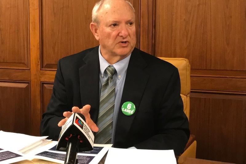 Senate budget architect Luke Kenley (R-Noblesville) discusses his caucus' budget proposal. (Brandon Smith/IPB News)