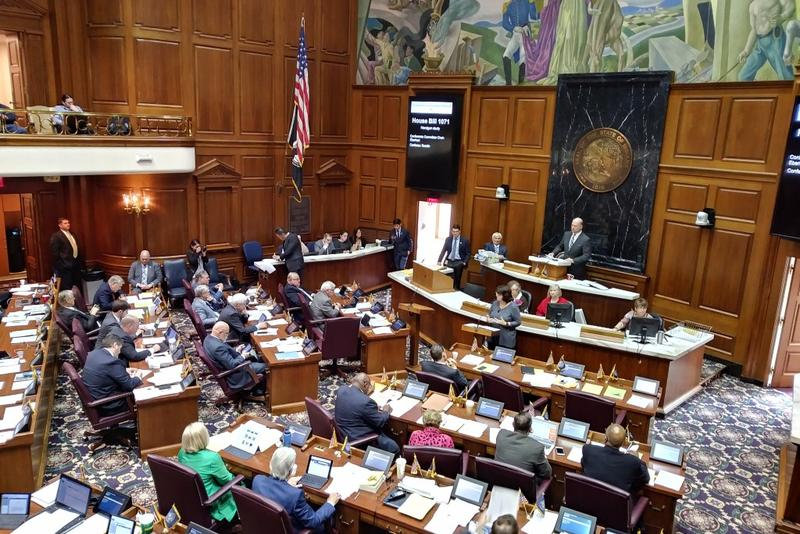 Rep. Linda Lawson (D-Hammond) argues against House Bill 1071. (Lauren Chapman/IPB News)