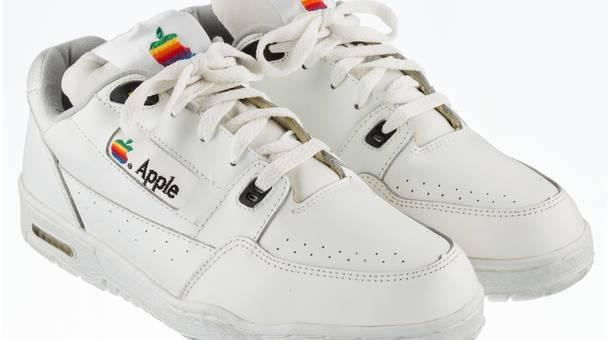 Apple%20Sneakers_1.jpg