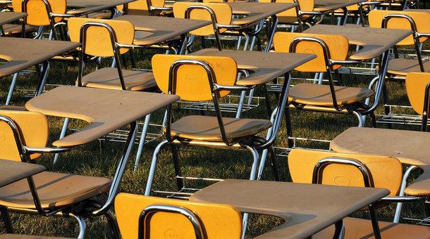 schooldesks_0_0.jpg