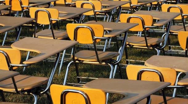 schooldesks_0_0_0.jpg