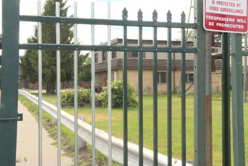 The West Calumet Housing Complex is fenced off after former residents have been relocated. (Annie Ropeik/IPB News)