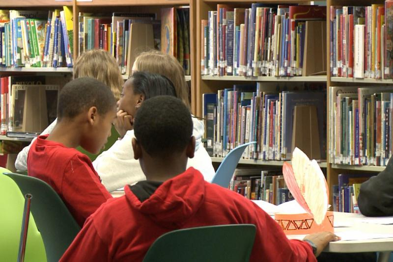 Students in school library. (WFIU/WTIU)