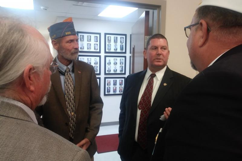 Rep. Jim Lucas talks to veterans at the Indiana American Legion about medical marijuana. (Lauren Chapman/IPB News)