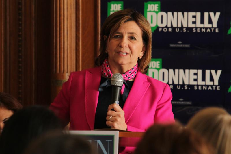 Jill Donnelly, Joe Donnelly's wife, speaks to a crowd about her husband's committment to women's issues. (Lauren Chapman/IPB News)
