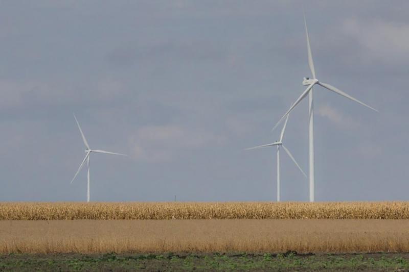 Wind farm in northwest Indiana. (FILE PHOTO: Annie Ropeik/IPB News)