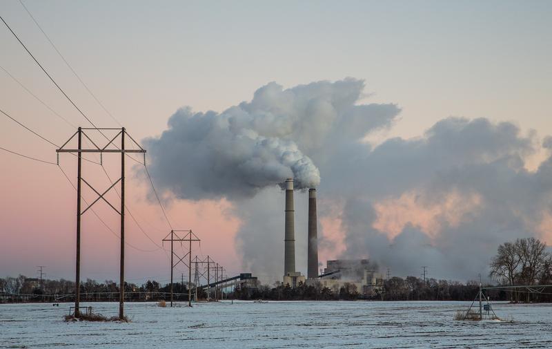 A coal-fired power plant near near Becker, Minnesota. (Tony Webster/Wikimedia Commons)