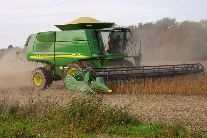 Soybean harvest (Wikimedia Commons)