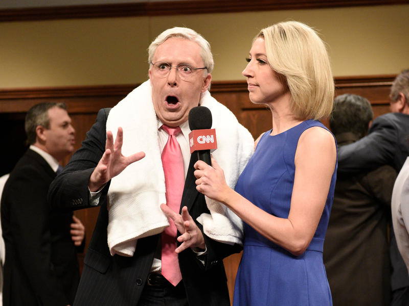 Beck Bennett as Sen. Mitch McConnell, Heidi Gardner as Dana Bash on Saturday Night Live on Saturday.