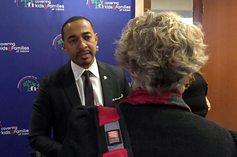 Best selling author Dr. Sampson Davis spoke at the annual Covering Kids and Families meeting in Indianapolis. (Jill Sheridan/IPB News)