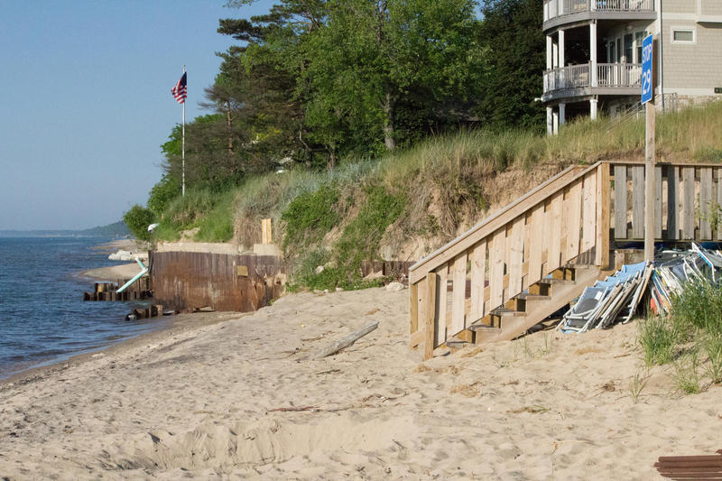 The shore in Long Beach, Indiana. (FILE PHOTO: Nick Janzen/IPB News)