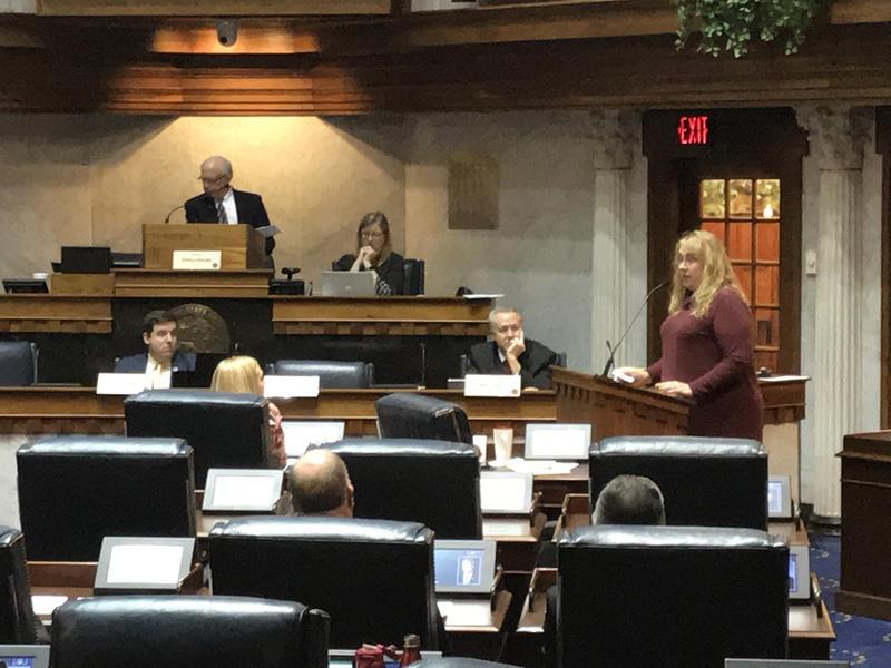Indiana foster parent Heidi Curtis testifies before a Senate committee. (Brandon Smith/IPB News)