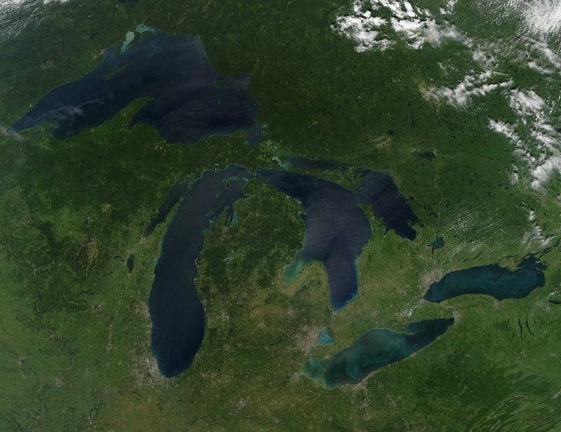 A satellite image of the Great Lakes, 2010 (NASA/Wikimedia Commons)